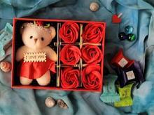 جعبه خرس و گل قرمز در شیپور-عکس کوچک
