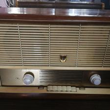 رادیو قدیمی چوبی  در شیپور-عکس کوچک