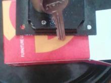 قفل درب کمد بزرگ نو دو کلید دارد جنس عالی دو قفله  در شیپور-عکس کوچک