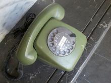 گوشی تلفن رومیزی قدیمی آلمانی در شیپور-عکس کوچک