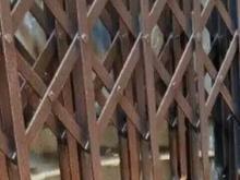 درب اکاردونی محافظ اپارتمان در شیپور-عکس کوچک