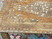 میز آنتیک بسیار قدیمی ، کار دست با عاج فیل در شیپور-عکس کوچک