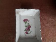 زیرسیگاری چینی گل سرخ در شیپور-عکس کوچک