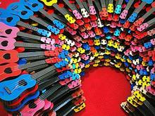 گیتار آموزشی در فروشگاه اسباب بازی امین در شیپور-عکس کوچک