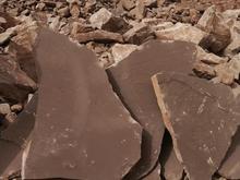 فروش معدن سنگ ورقی تاوه قهوه ای در شیپور-عکس کوچک