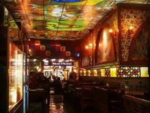 صندوقدار خانم رستوران در شیپور-عکس کوچک