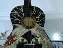 گیتار یونیک دیزاین شده در شیپور-عکس کوچک