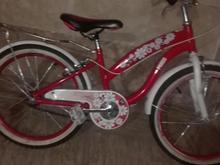 سه دوچرخه سواری و سلامت.استفاده.شده. در شیپور-عکس کوچک