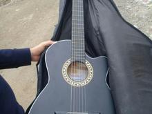 گیتار بسیار سالم و خوش صدا در شیپور-عکس کوچک