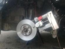 تراش و تابگیری روی کار دیسک ترمز انواع خودرو در شیپور-عکس کوچک