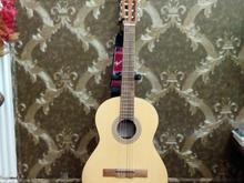 گیتار خوشصدا با وسایل جانبی در شیپور-عکس کوچک
