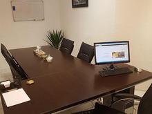 خانم منشی جهت پاسخگویی به تلفنهای شرکت در شیپور-عکس کوچک