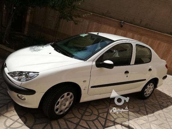 پژو 206 صندوق دار  سفید 98 در گروه خرید و فروش وسایل نقلیه در تهران در شیپور-عکس1