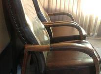 2 عدد صندلی چوب و چرم با زدگی کوچک در شیپور-عکس کوچک