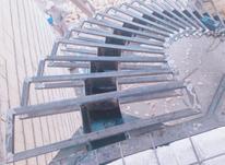 پله گرد ، پله پیچ ، پله مدرن داخلی در شیپور-عکس کوچک