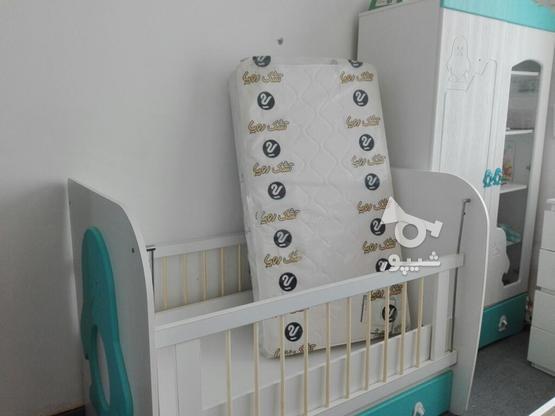تخت نوزاد،کمد ویترین دار،تشک ،صندلی غذا،لوستر  در گروه خرید و فروش لوازم شخصی در مازندران در شیپور-عکس1