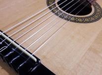 گیتار کلاسیک استفاده نشده در شیپور-عکس کوچک