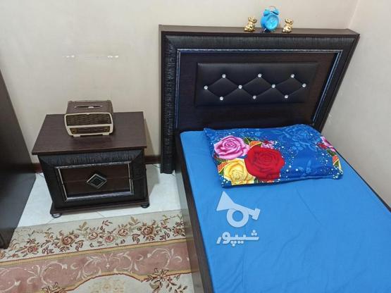تخت یک نفره بدون تشک وکفی به همراه کمد وکنار تختی در گروه خرید و فروش لوازم خانگی در تهران در شیپور-عکس3